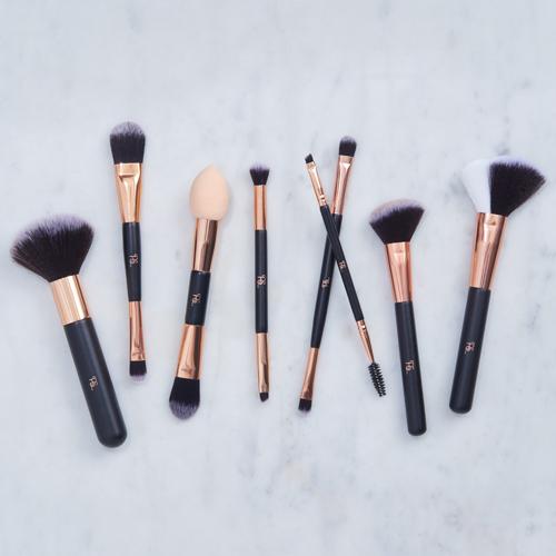 Make-Up-Brush-500x500